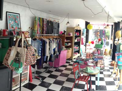 tante huguette meubles et objets vintages bijoux fantaisies d coration tendance petits. Black Bedroom Furniture Sets. Home Design Ideas